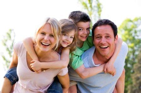 Счастливая семья, взаимоотношения в семье родителей и детей