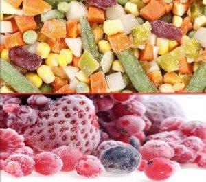 замороженные овощи и фрукты в морозильной камере