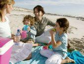 семья кушает на пляже, что можно брать с собой на пляж