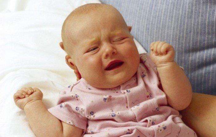 малыш капризничает, изменения погоды и влияние на ребенка