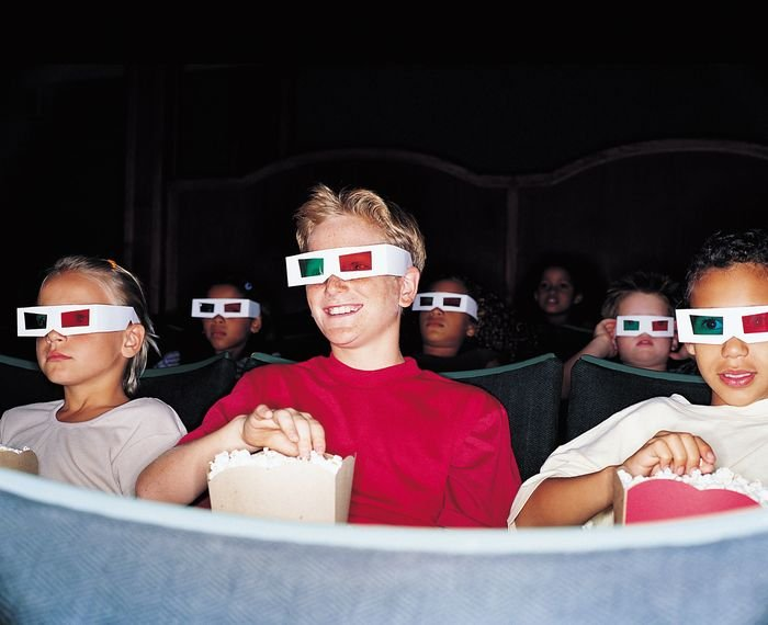 дети в кинотеатре, влияние 3D-фильмов на зрение ребенка