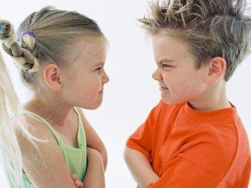 драки в школьном коллективе, почему ребенок дерется