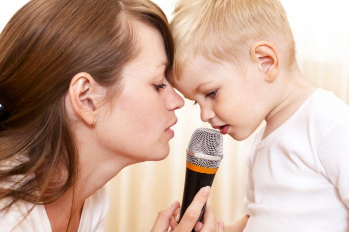 мама учит малыша  правильно говорить, техники ораторского икусства
