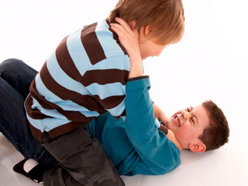 ребенок дерется в школе, как утихомирить драчуна