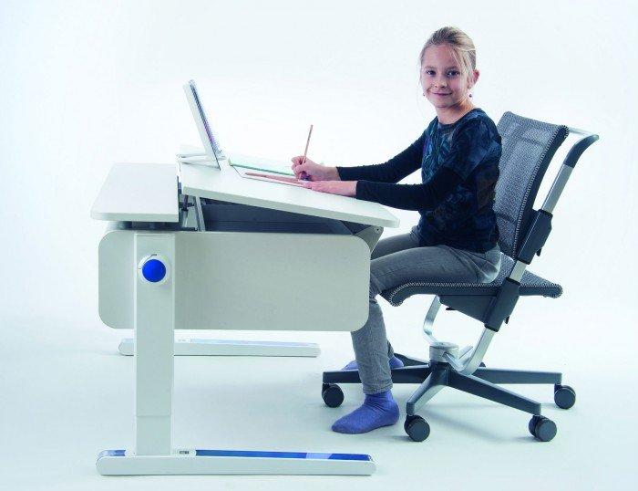 приобретение школьной мебели для малыша, стул и стол для школьника