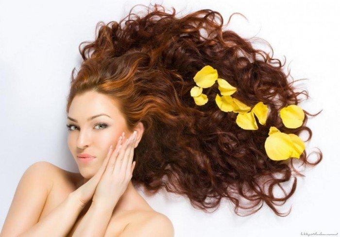 девушка с красивыми волосами, как бороться с выпадением волос