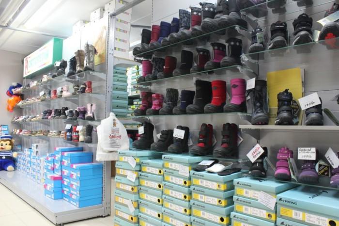 обувной магазин, виды осенней обуви для ребенка