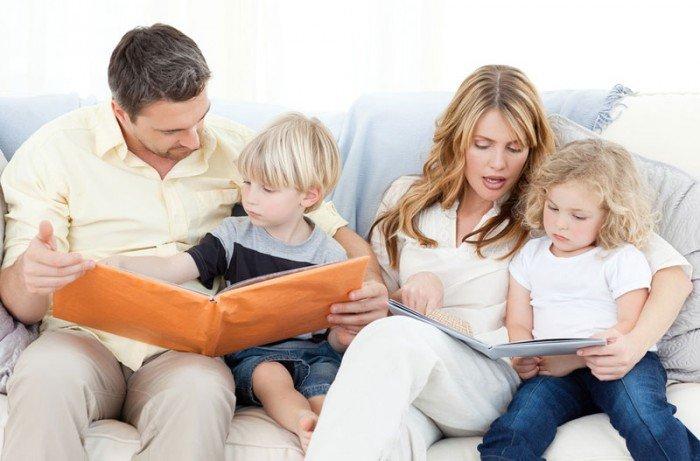 родители обучают своих детей, чему обучать своего ребенка