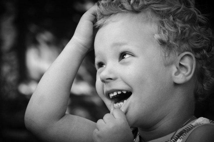 ребенок улыбается, лечение гингивита