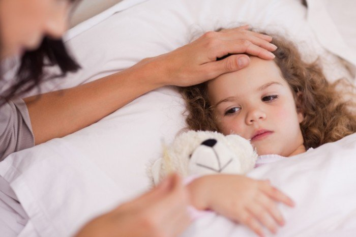 Воспаление лимфоузлов у детей: о чем это может свидетельствовать, у девочки повысилась температура