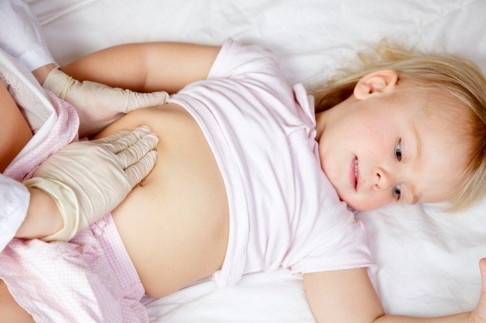 Лямблиоз у ребенка: признаки и лечение,  у ребенка болит живот