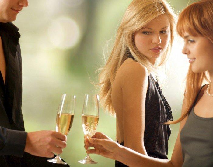 Способы избавления от ревности или несколько рекомендаций для ревнивых женщин, ревность к подружкам парня