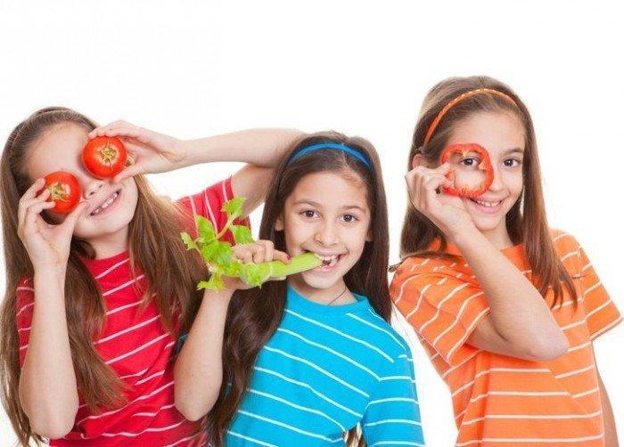 девочки с овощами