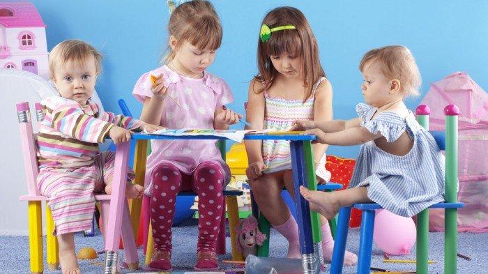 девочки играют в игры