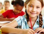 девочка на уроке в школе