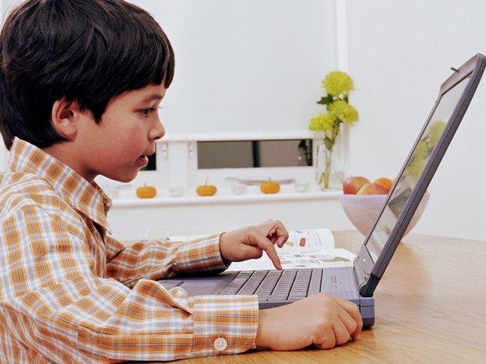 ребенок в социальных сетях, обучение ребенка общению в соцсетях