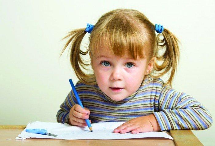 ребенок учится писать, красивое правописание