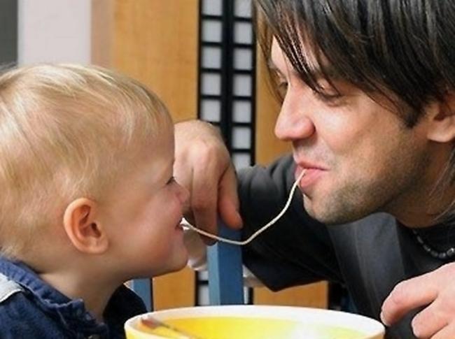 Быть хорошим отцом - значит безгранично любить своего ребёнка