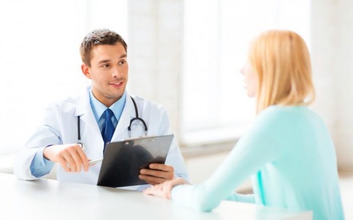 женщина у врача, поликистоз яичников