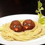 Птичье гнездо из спагетти с тефтельками