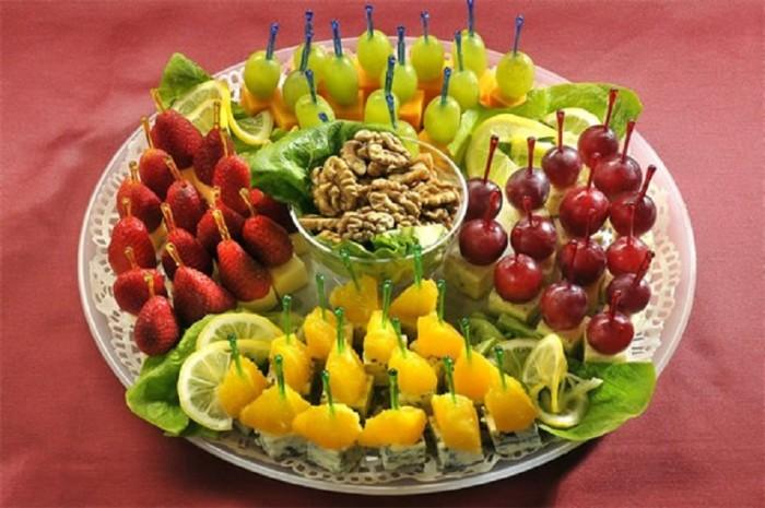 Канапе из фруктов