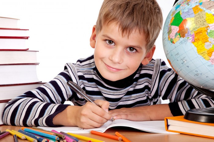 мальчик с глобусом, влияние группы крови на характера ребенка