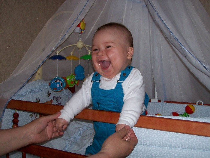 как приучить ребенка 2 года спать в своей кроватке: