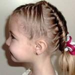 Длинные волосы можно заплетать или укладывать в замысловатые сложные причёски