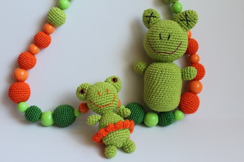 Слингобусы с погремушками в виде лягушек