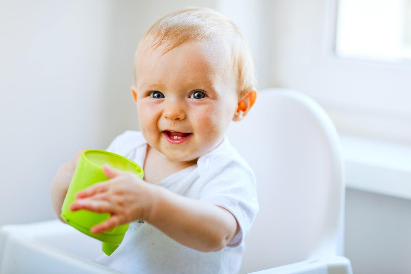 Мой ребёнок проглотил сливовую косточку, что делать?
