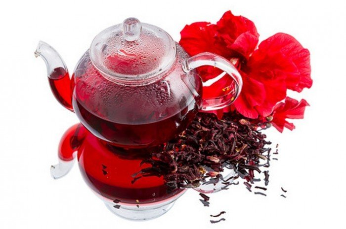Имбирный чай с цветами гибискуса