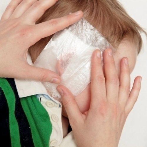 Как накладывать компресс при отите у ребёнка