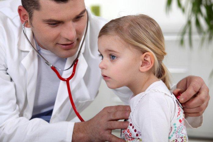 Девочка на приёме у врача