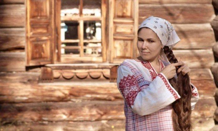 Девушка с длинными волосами —Древняя Русь