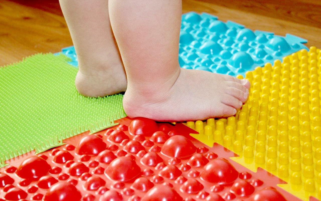 Массажный коврик — самый эффективный способ лечения и профилактики плоскостопия у детей