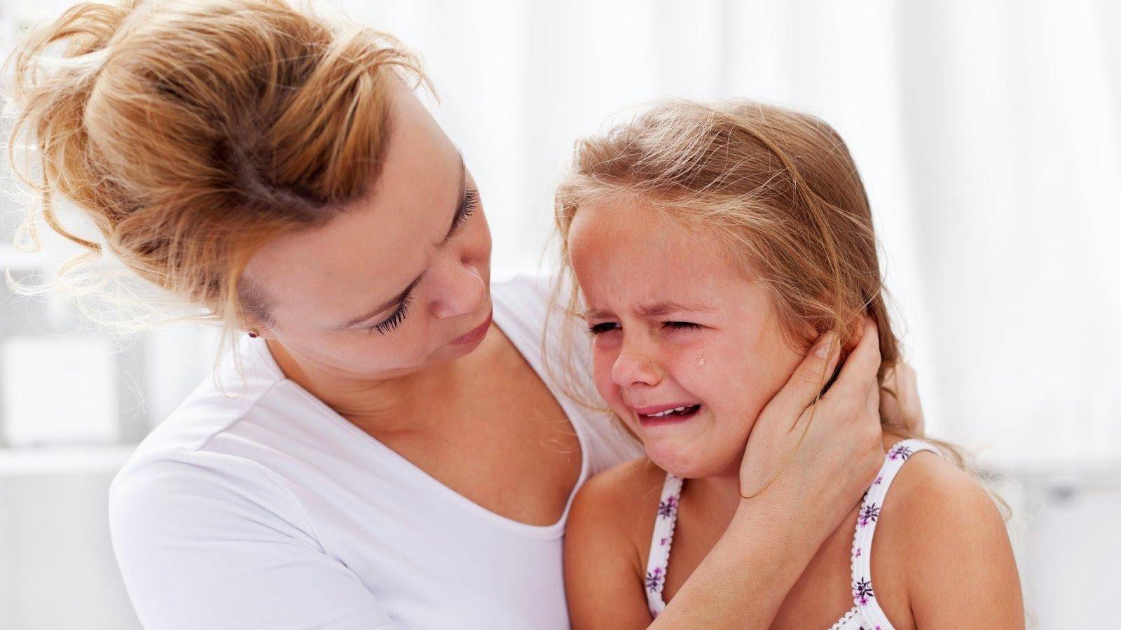 Что делать, если ребёнок боится врачей?