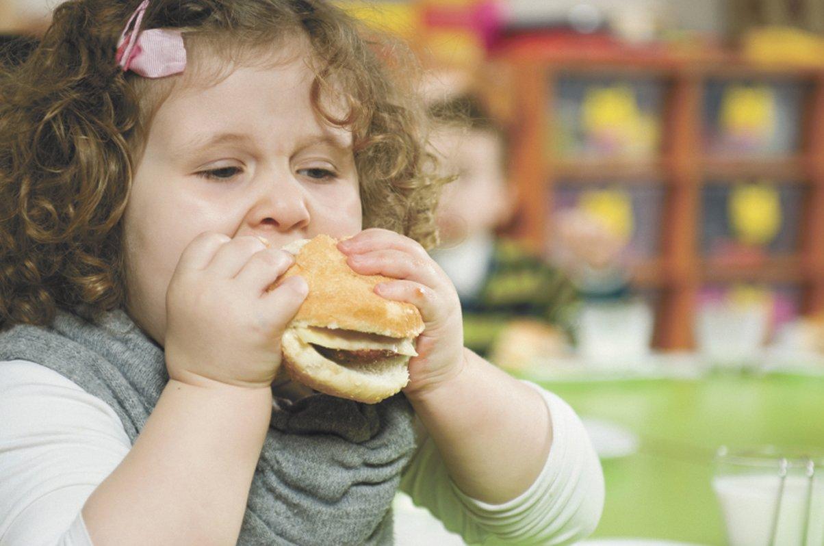 Лишний вес у ребенка. Что делать?
