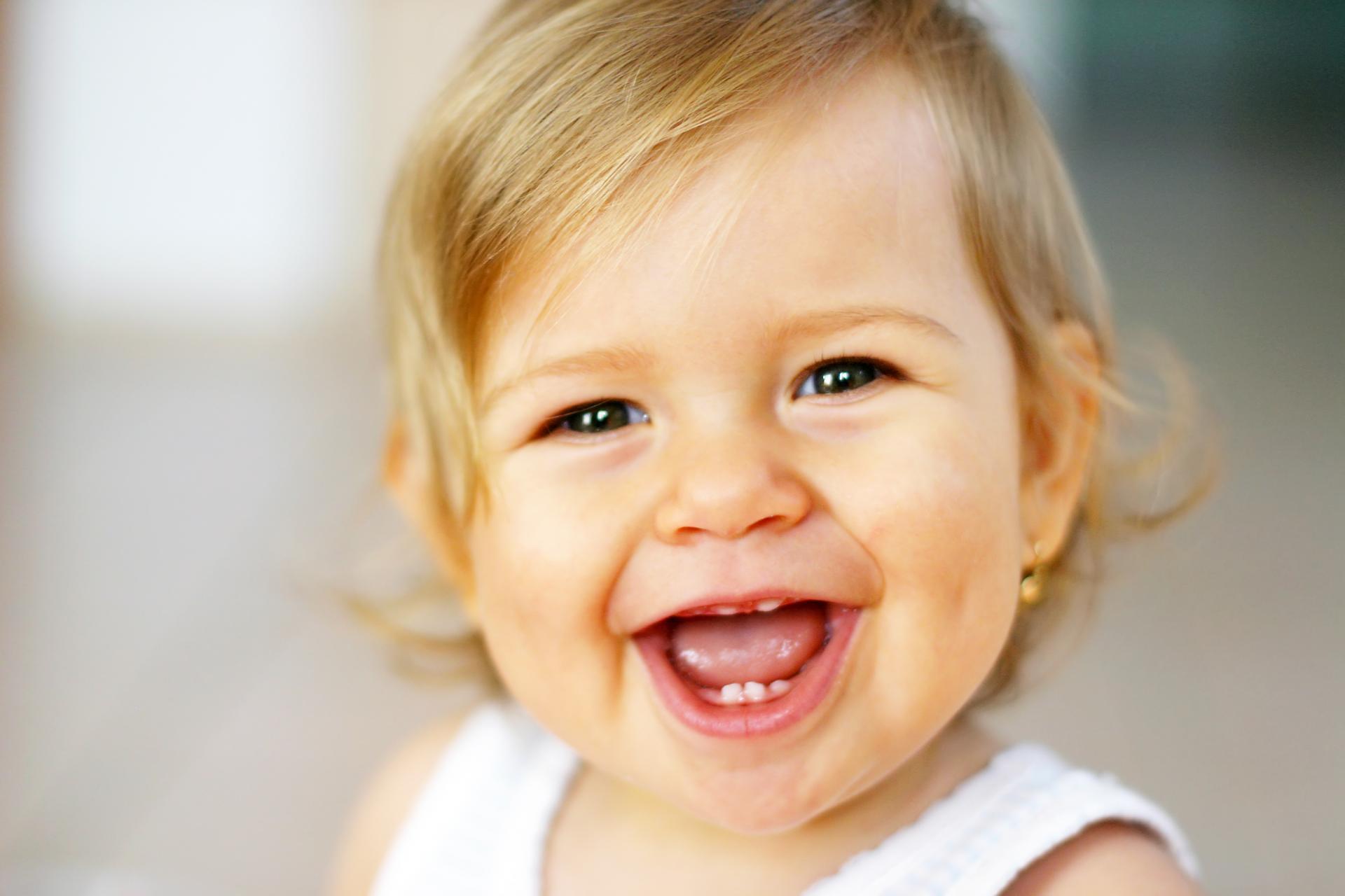 Неприятный запах из ротовой полости у ребенка.
