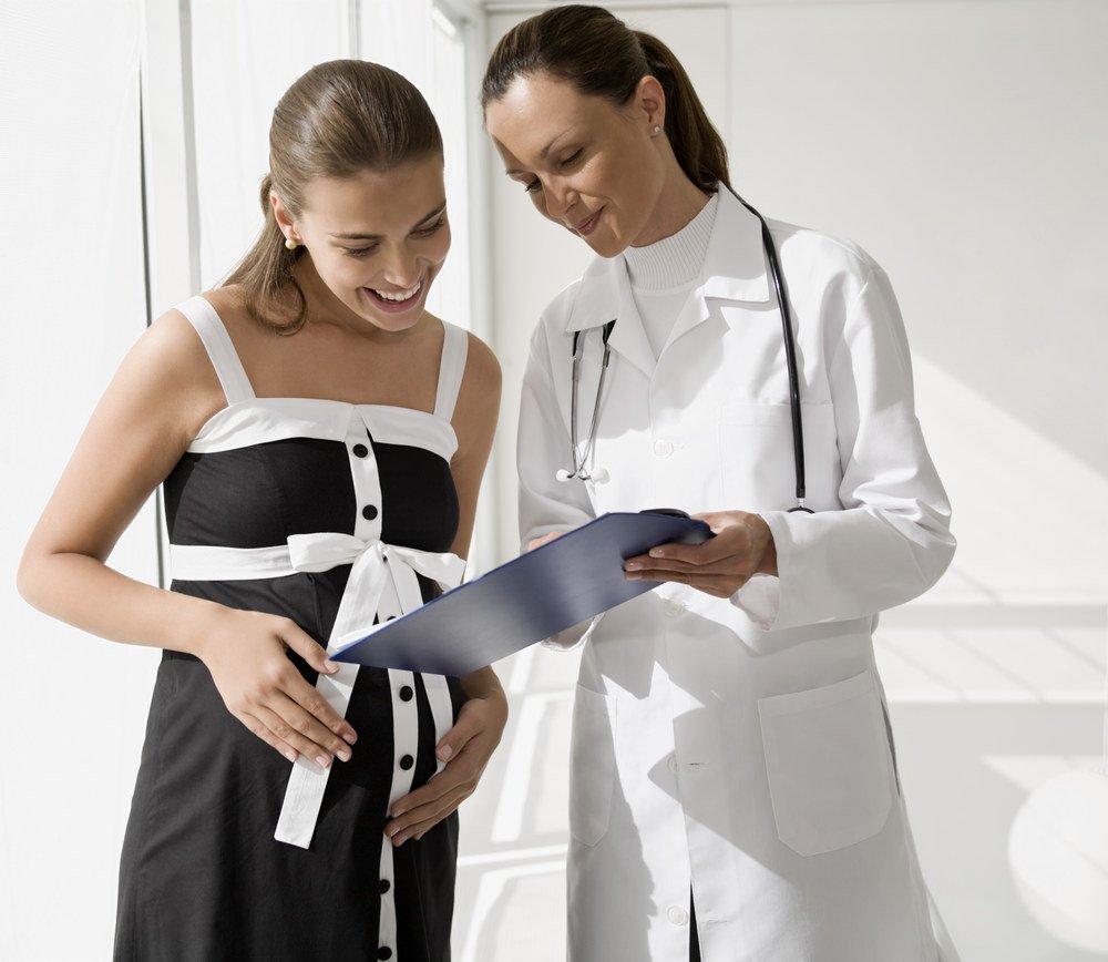 Список врачей, которых должна посетить женщина после родов.