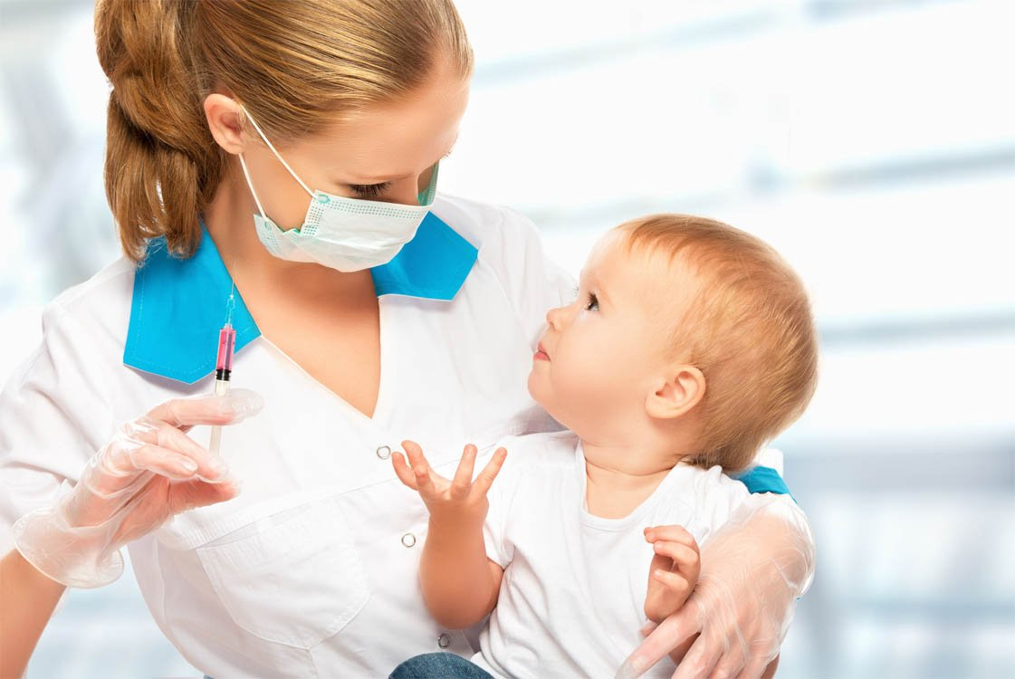 Какие прививки делают в роддоме новорожденным