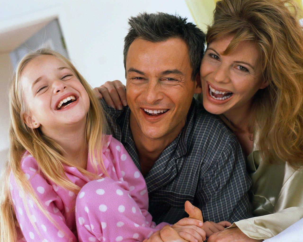 Как распределить роли и обязанности членов семьи при рождении малыша?