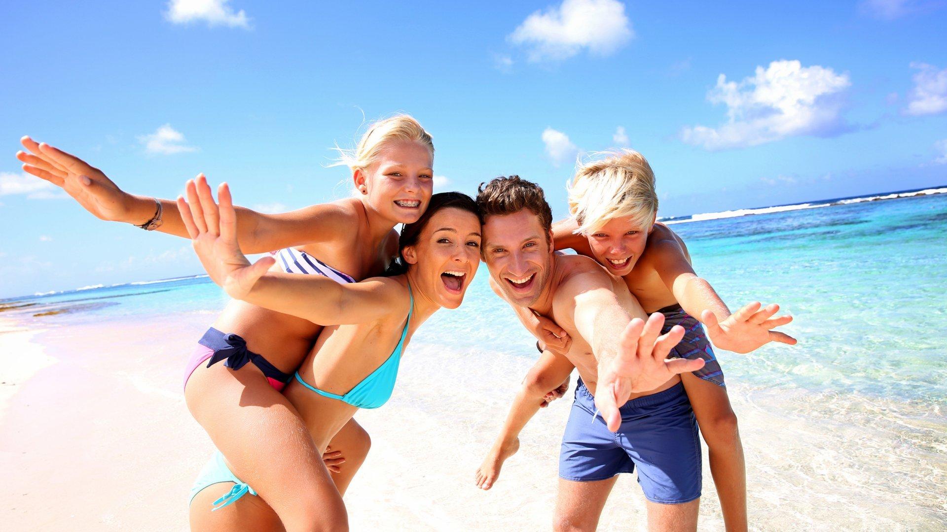 Как правильно выбрать место летнего отдыха с ребенком?