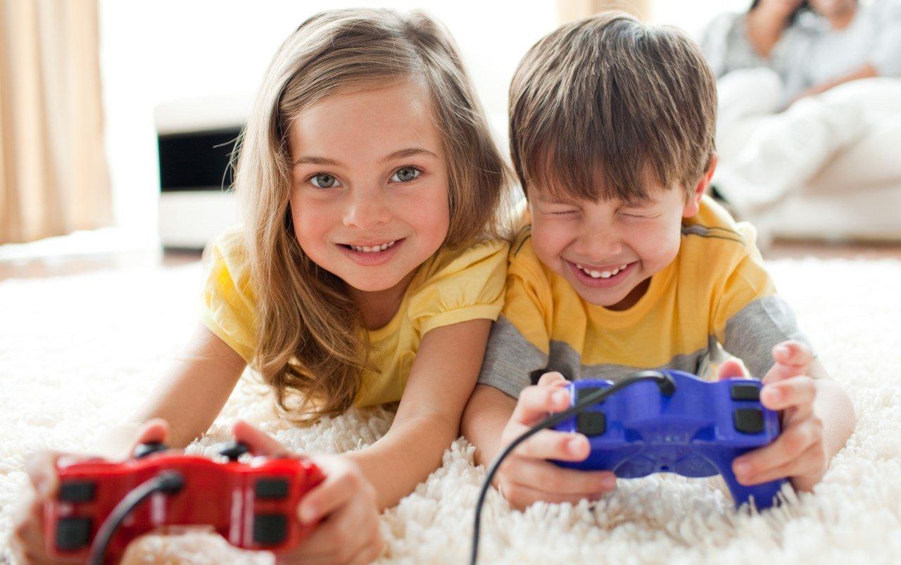 Общение брата и сестры, или как помочь разнополым детям жить в мире и согласии.