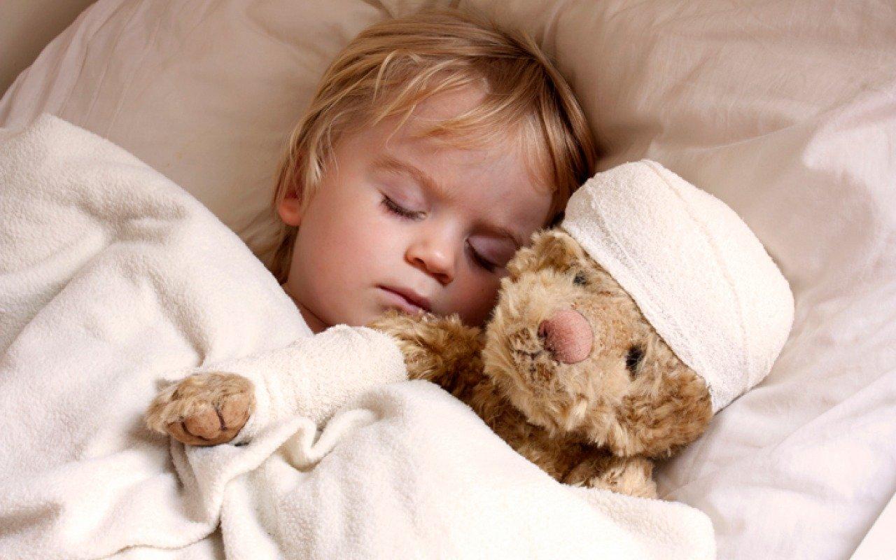 Ребенок во сне скрипит зубами: что же это значит?