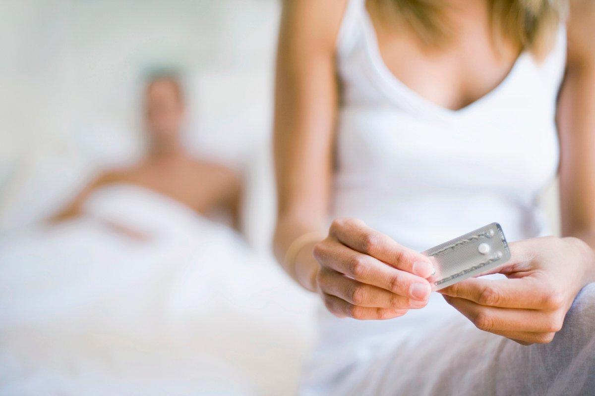 Что выбрать в качестве контрацепции: таблетки или спираль?