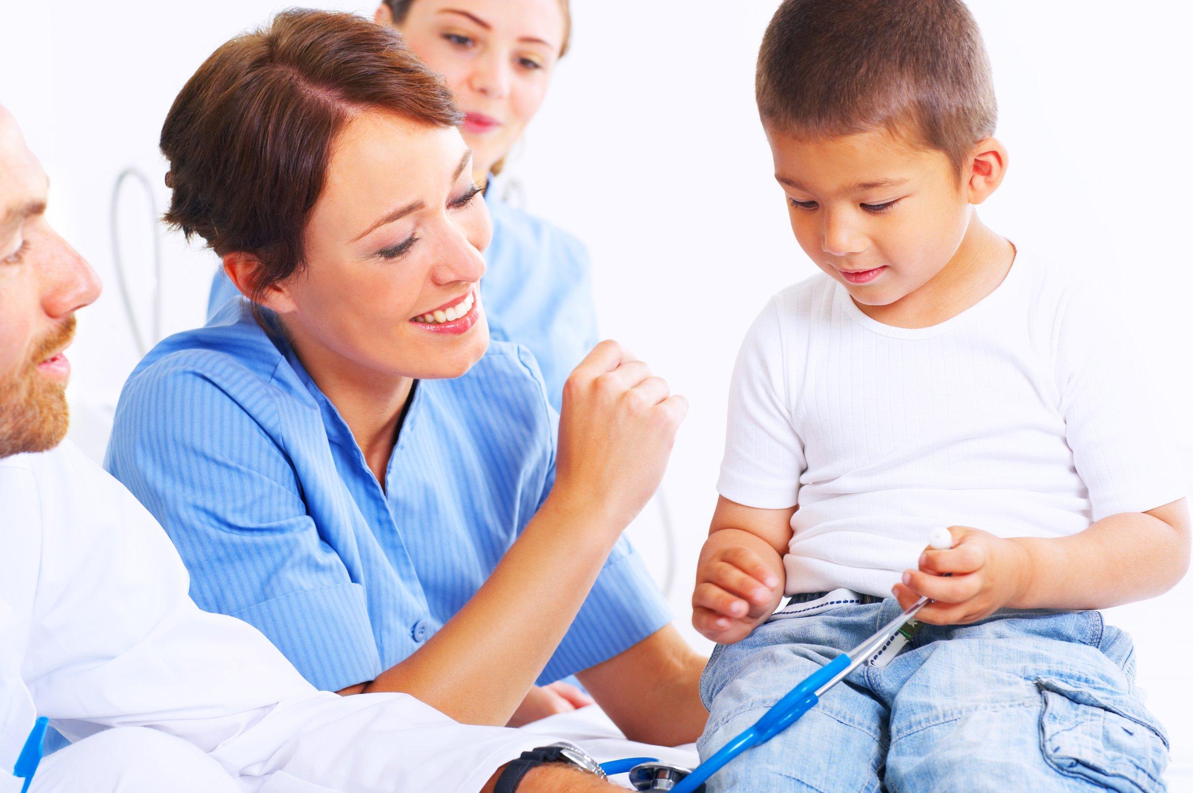 В каких случаях следует показать ребенка эндокринологу?