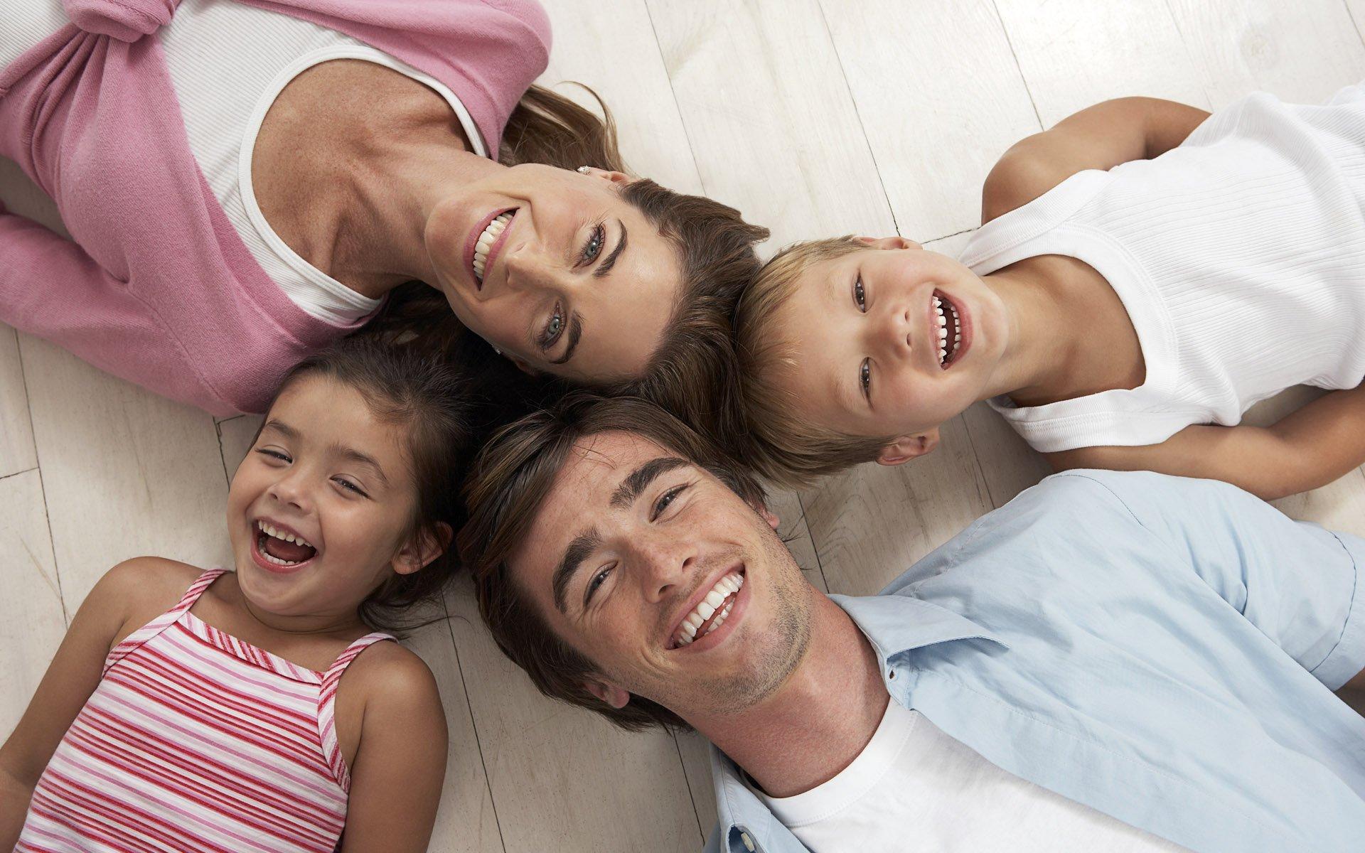 Партнерские отношения между детьми и родителями.