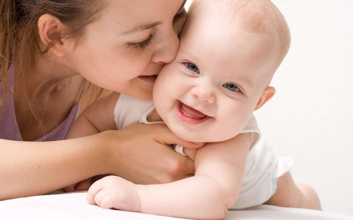Как ухаживать за кожей новорождённого крохи?