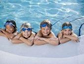 С чего начать уроки плаванья: правильный выбор бассейна для ребёнка