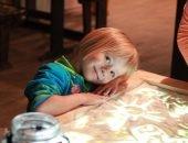 Рисование песком — отличное занятие для ребенка.